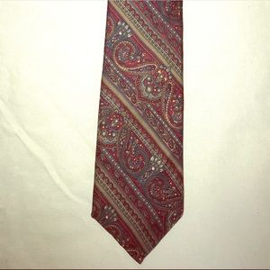 Christian Dior %100 silk tie in good condition.